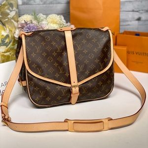 ✅Authentic ✅LOUIS VUITTON Saumur 35 Crossbody Bag